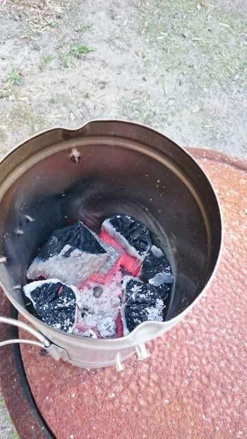 炭おこし 順調に火がついた