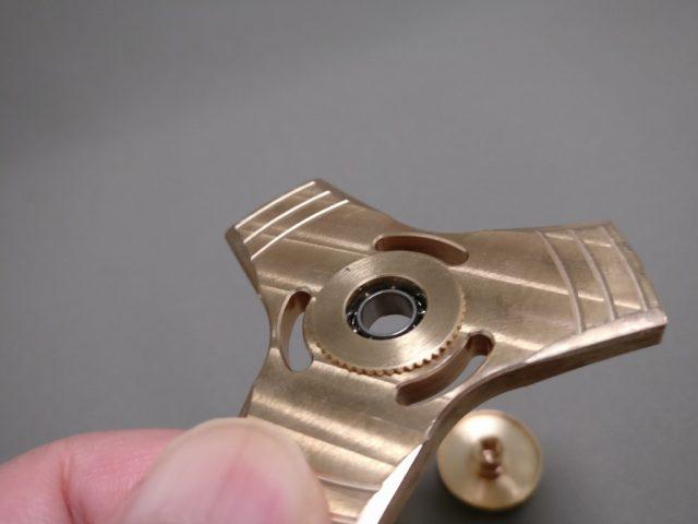 真鍮(Brass)3連 ハンドスピナー 軸解体 ズーム