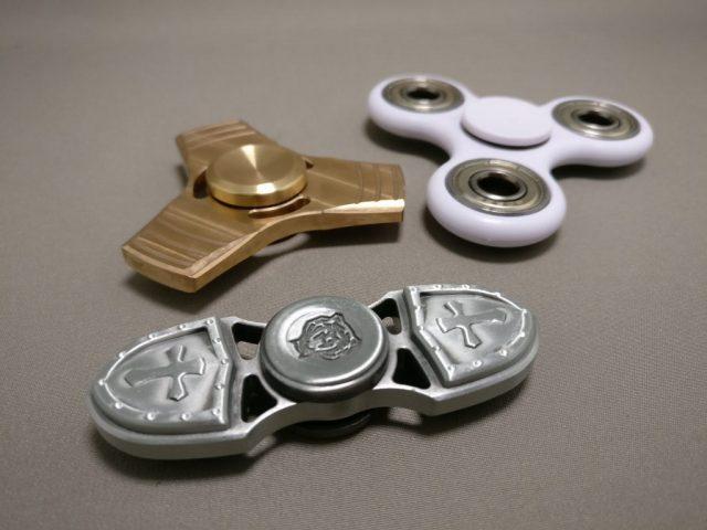 真鍮(Brass)3連 ハンドスピナー 比較