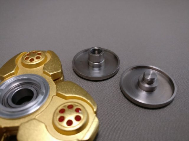 ジャイロ(Gyro)3連GOLD ハンドスピナー 軸解体