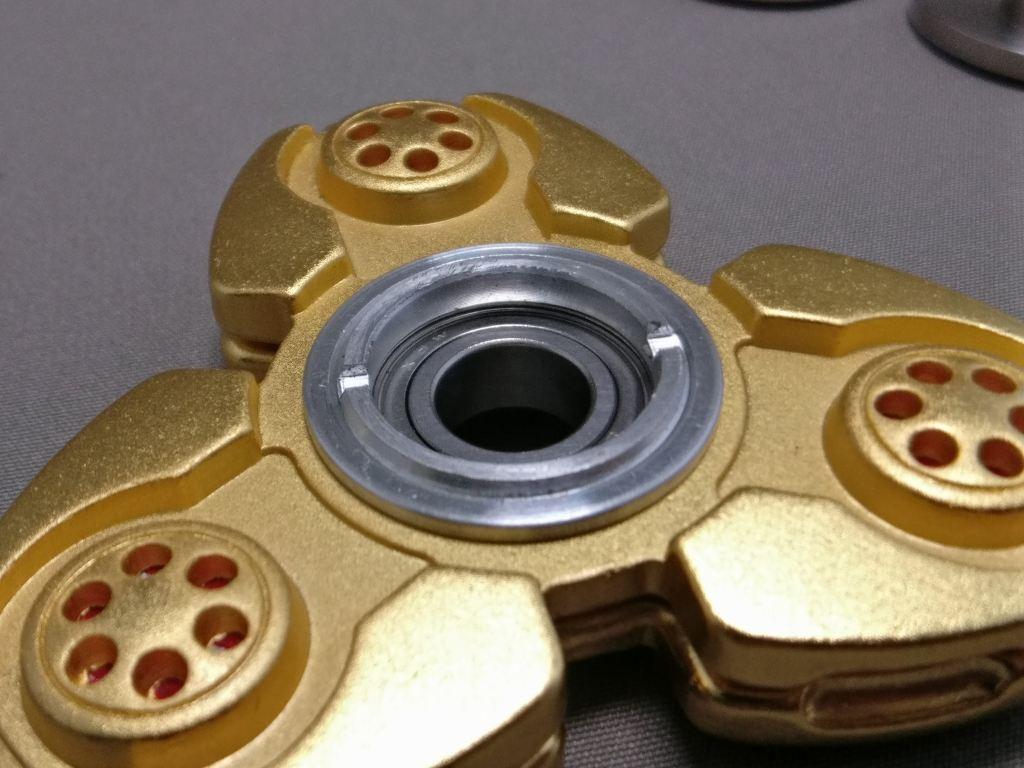 ジャイロ(Gyro)3連GOLD ハンドスピナー 軸解体 ズーム