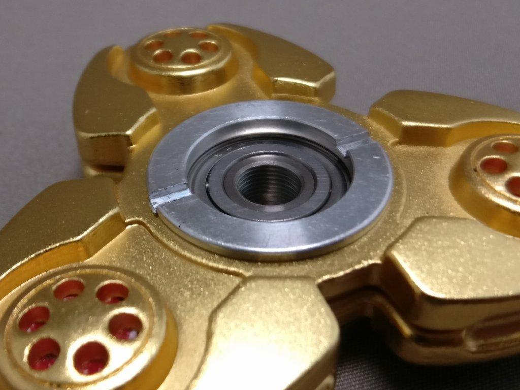 ジャイロ(Gyro)3連GOLD ハンドスピナー 軸解体 ズーム裏