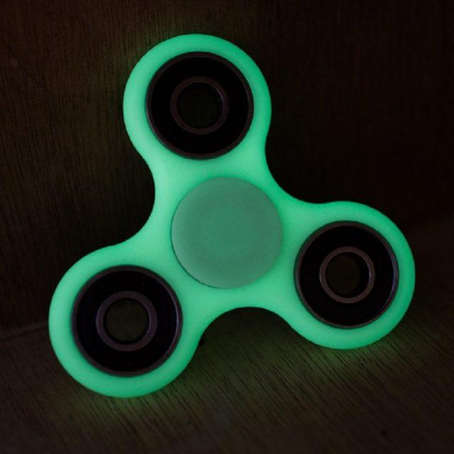 Luminous Green ハンドスピナー 夜光2