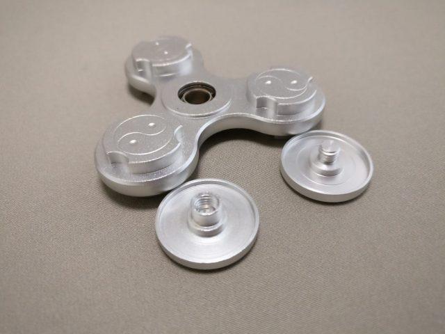 Tri-spinner LEDライト ハンドスピナー軸解体