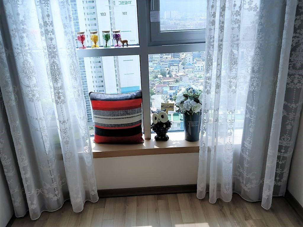 ユン・スルホム 窓