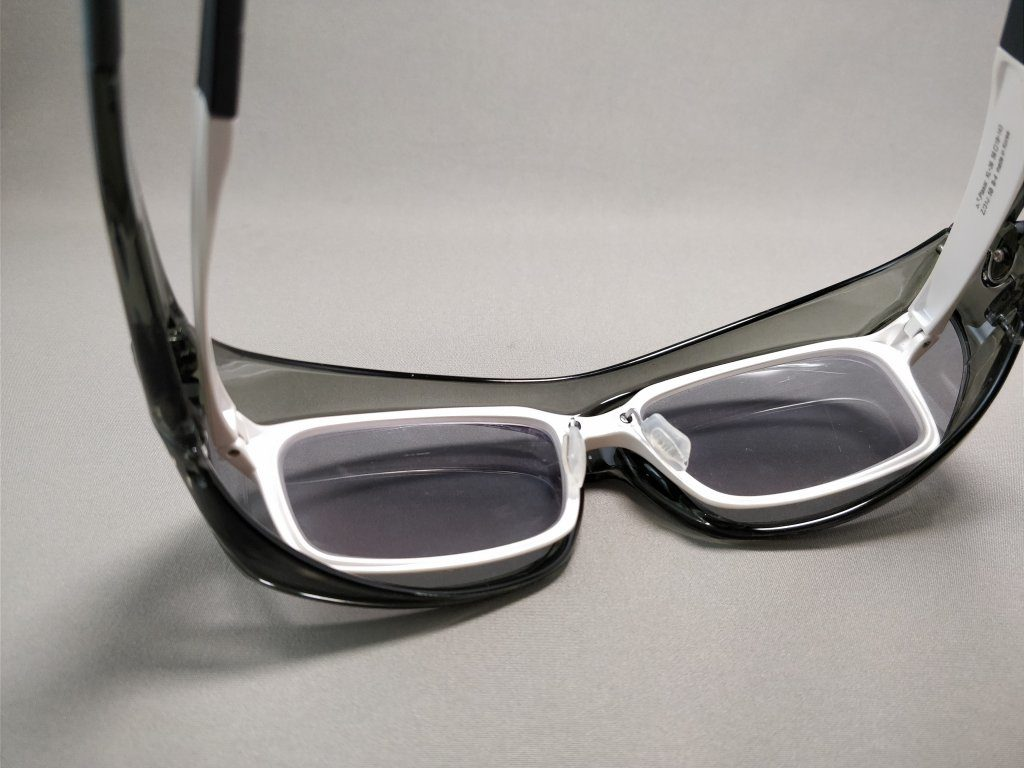 AXE(アックス) オーバーサングラス メガネ装着
