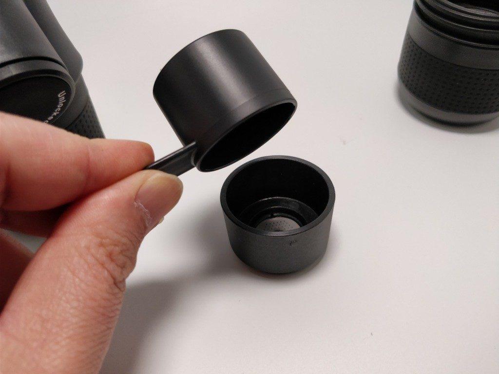 ポータブル エスプレッソメーカー  本体 粉を入れる