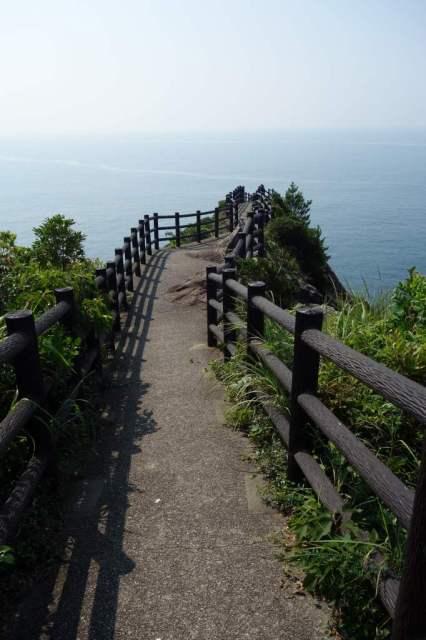 岬の突端まで歩ける