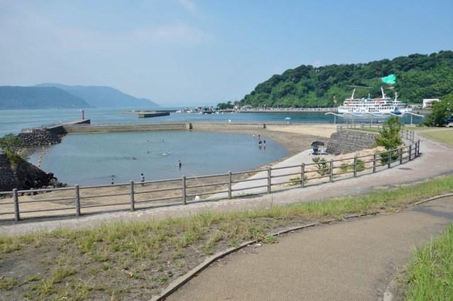 桜島フェリーのすぐ横、国民宿舎の横にあるビーチ